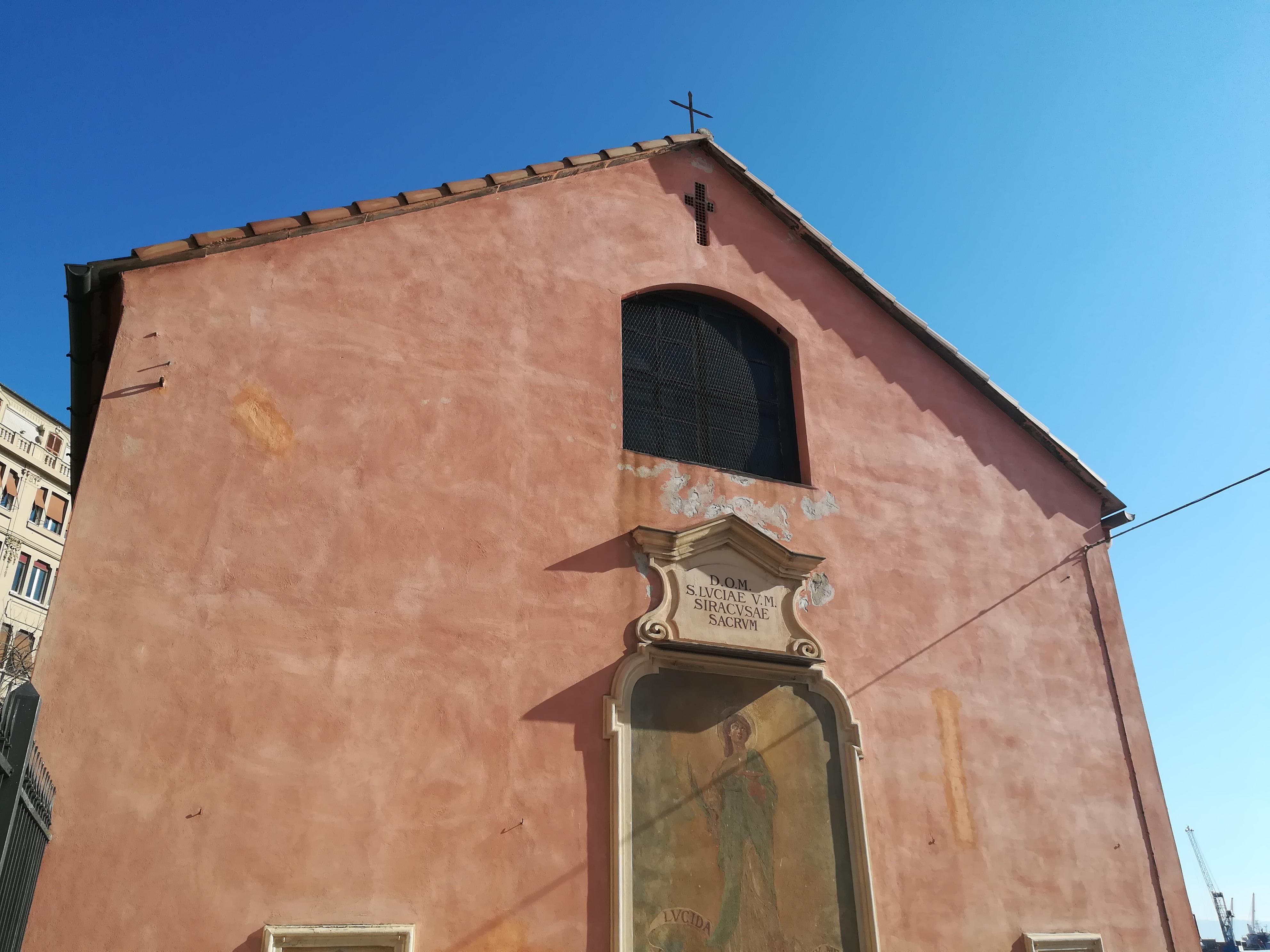 L'uscita delle casse dalla Chiesa di S.Lucia